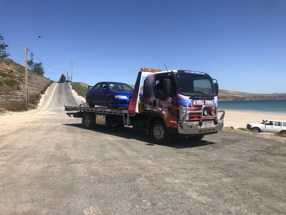 Aldinga Towing have a Recovery response vehicle that is manned by the most experienced tow truck operators