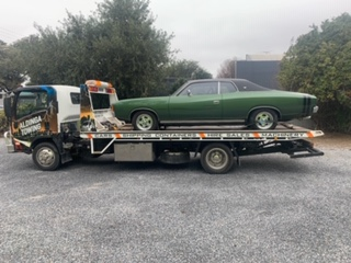 Towing a VJ Valiant from Norwood